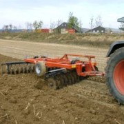 Niet-kerende grondbewerking vermindert emissie  van bestrijdingsmiddelen naar het oppervlaktewater
